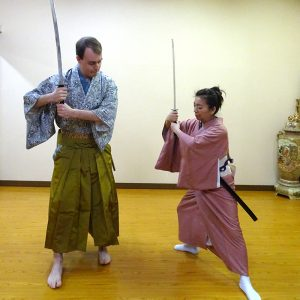 着物を着て簡単な作法と踊り体験