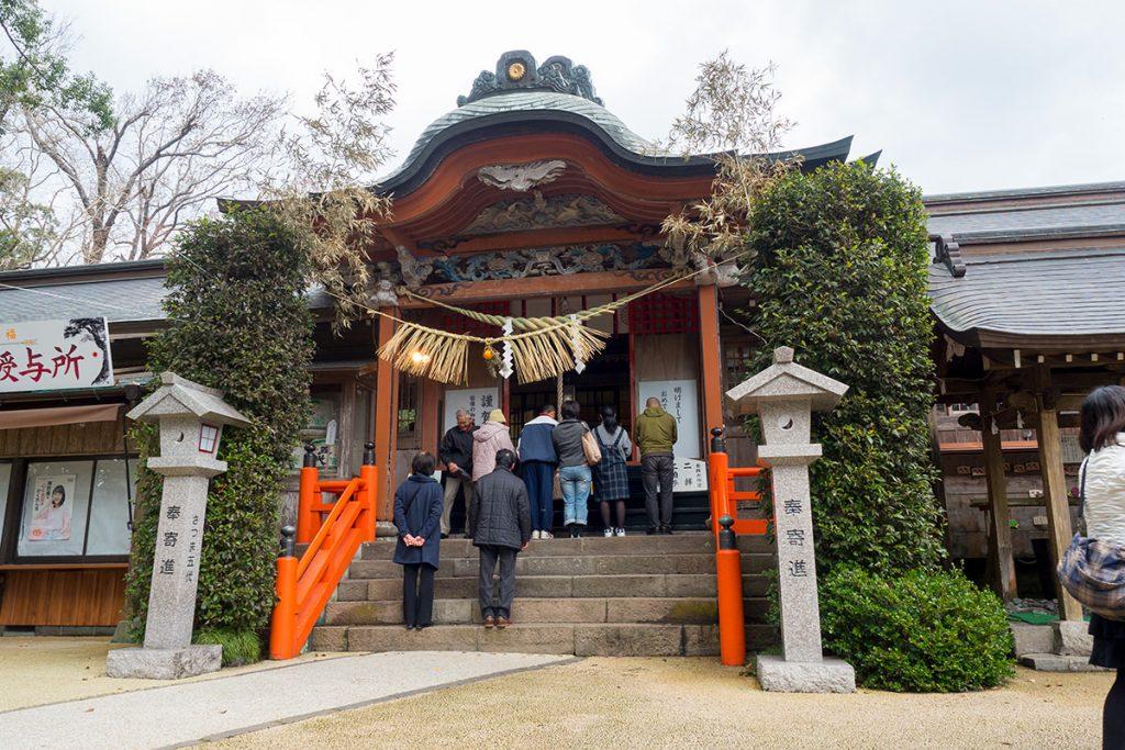 新田神杜本殿・拝殿・舞殿・勅使殿・両脇摂社